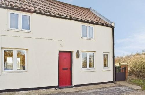 Snaptrip - Last minute cottages - Inviting Bridlington Cottage S14849 -