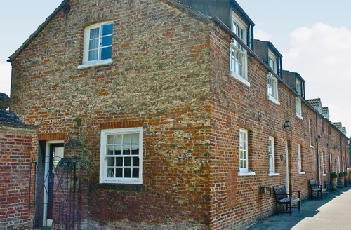 Snaptrip - Last minute cottages - Excellent Driffield Cottage S14863 -