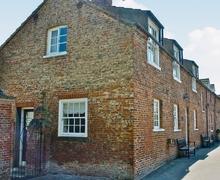 Snaptrip - Last minute cottages - Excellent Driffield Cottage S14863 -