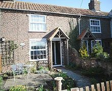 Snaptrip - Last minute cottages - Luxury Driffield Cottage S14888 -
