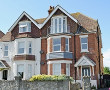 Snaptrip - Last minute cottages - Gorgeous Folkestone Apartment S13651 -