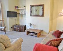 Snaptrip - Last minute cottages - Cosy Folkestone Apartment S73387 -