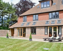Snaptrip - Last minute cottages - Quaint Tunbridge Wells Cottage S13669 -