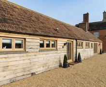 Snaptrip - Last minute cottages - Stunning Chippenham Cottage S77259 -