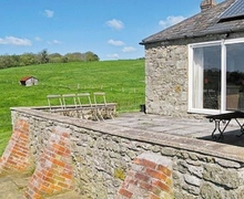 Snaptrip - Holiday cottages - Quaint Mere Cottage S13722 -