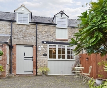 Snaptrip - Last minute cottages - Attractive Royal Wootton Bassett Cottage S40463 -