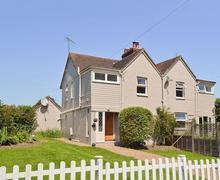 Snaptrip - Last minute cottages - Adorable All Surrey Cottage S13770 -
