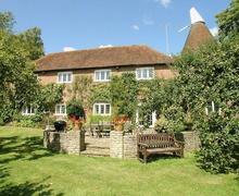Snaptrip - Last minute cottages - Wonderful Battle Cottage S13839 -