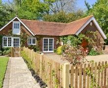Snaptrip - Last minute cottages - Stunning Battle Cottage S13871 -