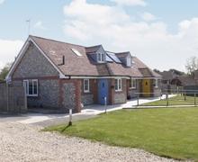 Snaptrip - Last minute cottages - Captivating Bognor Regis Cottage S13867 -