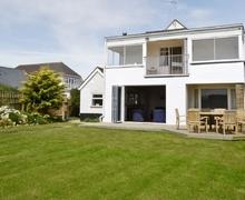 Snaptrip - Last minute cottages - Luxury Bognor Regis Cottage S13880 -