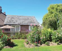 Snaptrip - Last minute cottages - Captivating Bognor Regis Cottage S13887 -