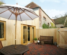 Snaptrip - Last minute cottages - Inviting Eastbourne Cottage S13932 -