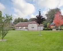 Snaptrip - Last minute cottages - Beautiful East Meon Cottage S42610 -