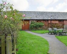 Snaptrip - Last minute cottages - Exquisite Ringwood Cottage S72295 -