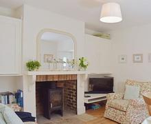 Snaptrip - Holiday cottages - Cosy Bembridge Cottage S27006 -