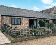 Snaptrip - Last minute cottages - Lovely Freshwater Cottage S14227 -