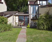 Snaptrip - Last minute cottages - Splendid Ryde And Seaview Cottage S70583 -