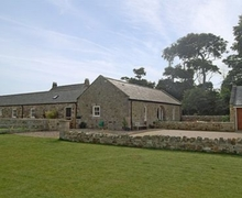 Snaptrip - Holiday cottages - Stunning Bamburgh Cottage S14429 -