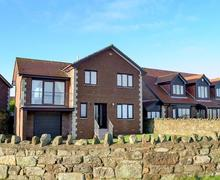 Snaptrip - Last minute cottages - Superb Beadnell Cottage S46185 -