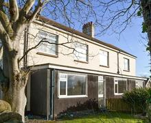 Snaptrip - Holiday cottages - Superb Beadnell Apartment S73888 -