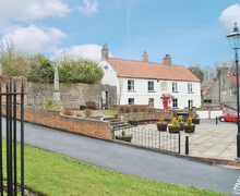 Snaptrip - Last minute cottages - Wonderful Filey Cottage S15081 -