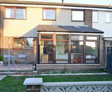 Snaptrip - Last minute cottages - Inviting Warkworth Cottage S44357 -