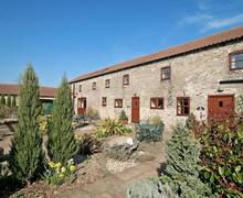 Snaptrip - Holiday cottages - Tasteful Driffield Cottage S14866 -