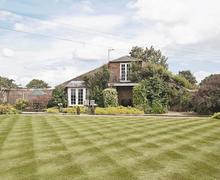 Snaptrip - Last minute cottages - Beautiful Driffield Cottage S14894 -