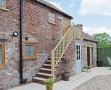 Snaptrip - Holiday cottages - Quaint Driffield Cottage S14898 -