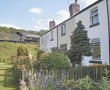 Snaptrip - Last minute cottages - Quaint Goathland Cottage S15118 -