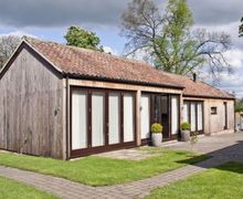 Snaptrip - Last minute cottages - Wonderful Harrogate Cottage S15143 -