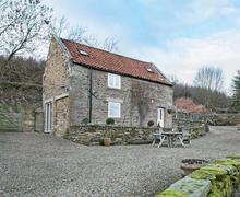 Snaptrip - Last minute cottages - Tasteful Rosedale Abbey Lodge S73192 -