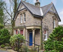 Snaptrip - Last minute cottages - Cosy Holmfirth Lodge S15664 -