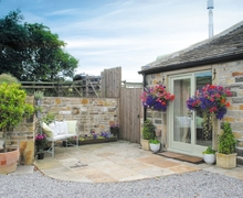 Snaptrip - Last minute cottages - Delightful Holmfirth Cottage S15659 -