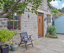 Snaptrip - Last minute cottages - Luxury Holmfirth Cottage S70585 -