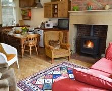 Snaptrip - Last minute cottages - Excellent Haworth Cottage S27015 -