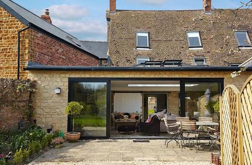 Attractive All Northamptonshire Cottage S78245