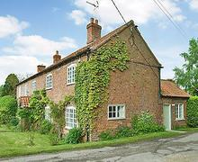 Snaptrip - Last minute cottages - Lovely Grantham Cottage S15741 -