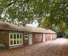 Snaptrip - Last minute cottages - Inviting Grantham Cottage S15740 -