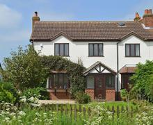 Snaptrip - Last minute cottages - Excellent Market Rasen Cottage S59924 -