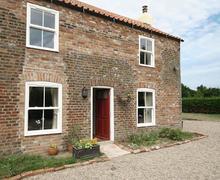 Snaptrip - Last minute cottages - Excellent Skegness Cottage S15884 -