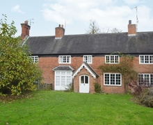 Snaptrip - Last minute cottages - Lovely Warwick Cottage S15957 -