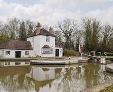 Snaptrip - Last minute cottages - Superb Warwick Cottage S78290 -