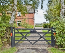 Snaptrip - Last minute cottages - Exquisite All Nottinghamshire Cottage S15984 -