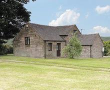 Snaptrip - Holiday cottages - Cosy Leek Cottage S16017 -
