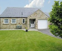 Snaptrip - Holiday cottages - Luxury Leyburn Cottage S15260 -
