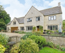 Snaptrip - Last minute cottages - Wonderful Bourton On The Water Lodge S16074 -