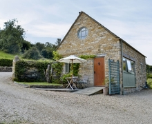 Snaptrip - Last minute cottages - Attractive Bourton On The Water Cottage S16094 -