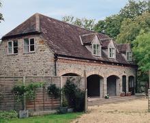 Snaptrip - Last minute cottages - Beautiful Cheltenham Cottage S16126 -
